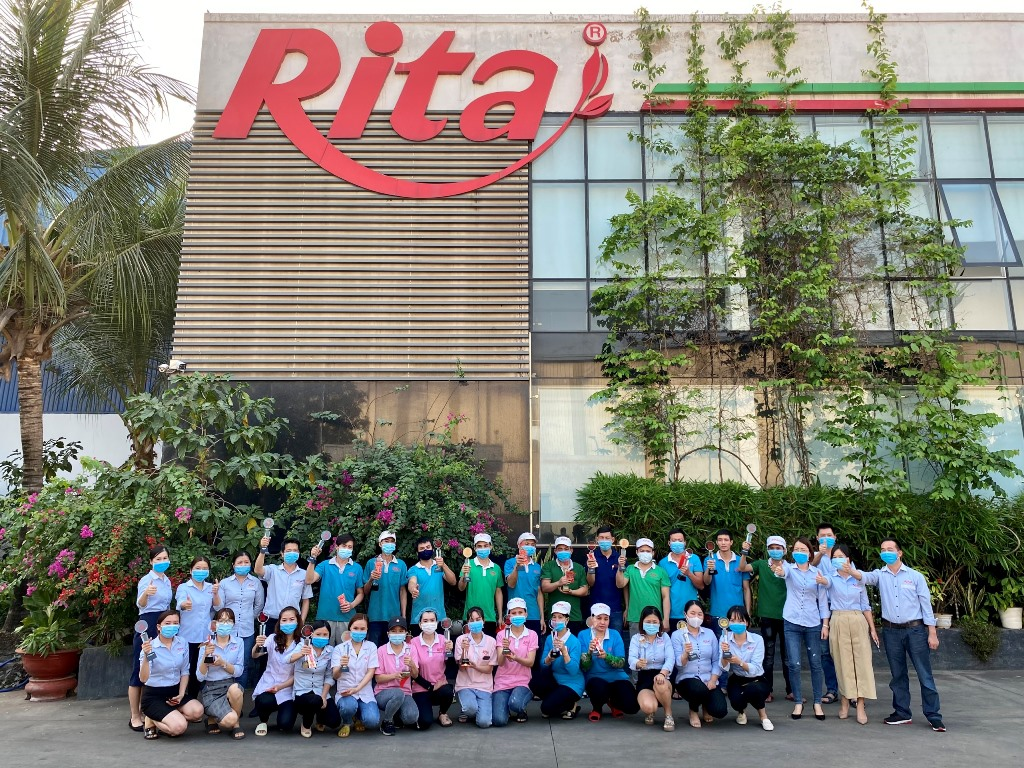 RITA GIVES SPECIAL GIFTS TO EMPLOYEES ON THE OCCASION OF LUNAR NEW YEAR 2021